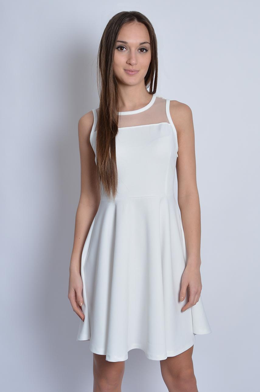 d0dd9da37bf9 Sukienka rozkloszowana z fakturą i siateczką biała - Cocomoda...